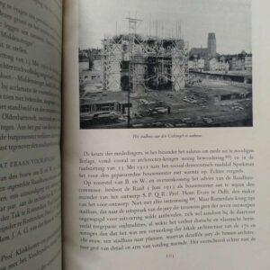 Rotterdam in de twintigste eeuw door L.J.C.J. Van Ravesteyn